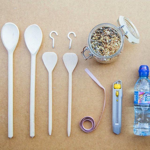 A na blogu robimy karmnik z butelki plastikowej! Szczegy nahellip