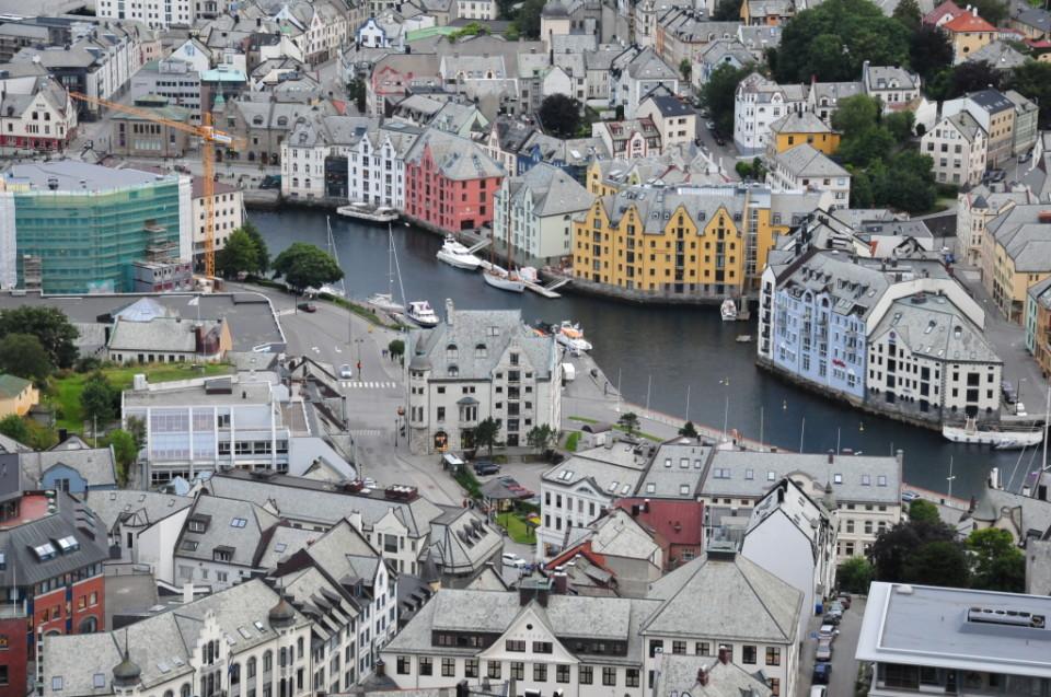 Norwegia, Aalesund, Szczesliva (33)