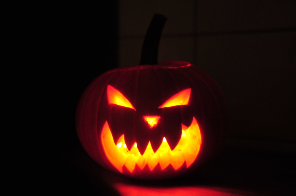 jak zrobić dynię na Halloween (14)