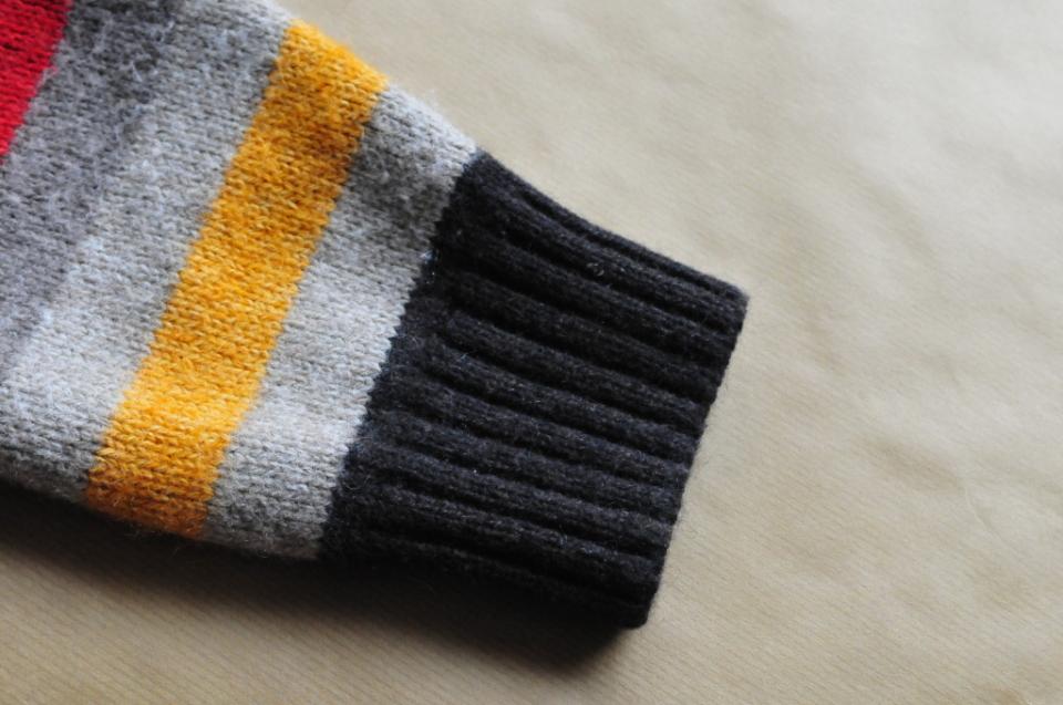 Jak ze starego swetra zrobić spodenki na zimę dla dziecka DIY (5)