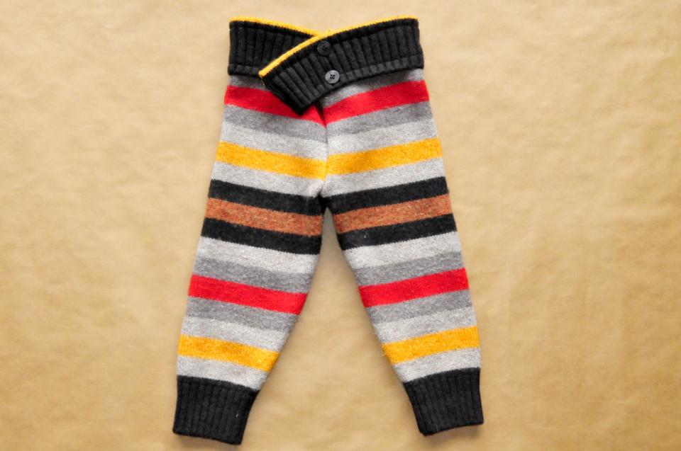 Jak ze starego swetra zrobic spode nki na zimę dla dziecka DIY (2)