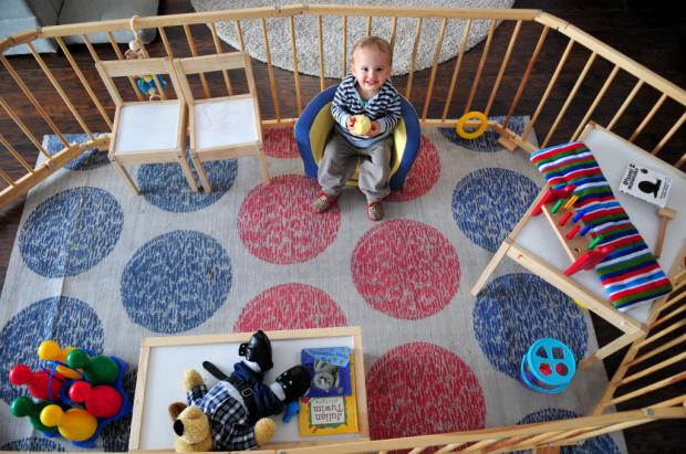 drewniany kojec dla dziecka (2)