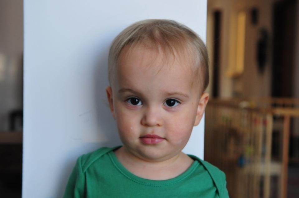 jak zrobić dziecku zdjęcie do paszportu i wizy (1)
