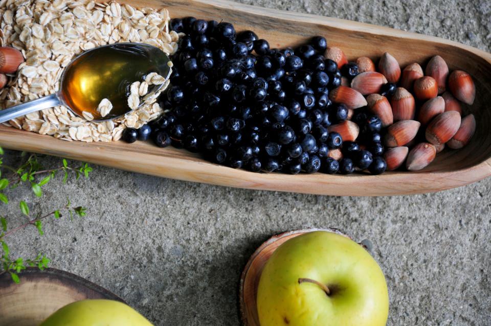 Przepis na pieczone jabłka z jagodami 6