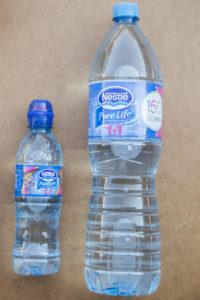 jak-zrobic-karmnik-dla-ptakow-z-butelki-plastikowej-szczesliva13