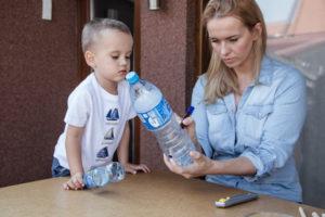jak-zrobic-karmnik-dla-ptakow-z-butelki-plastikowej-szczesliva21