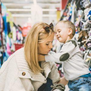 """""""Mamo, a te buty teś mi kupiś? Ploooosę!"""" Kompletujemy jesienno-zimową stylówkę #TEX w #Carrefour. #RobimySięNaBóstwo ! Buty też już mamy! Yeah!"""