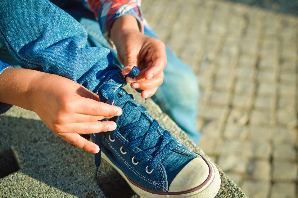 Jak Nauczyc Dziecko Wiazac Buty Najprostsza I Najszybsza Metoda Szczesliva