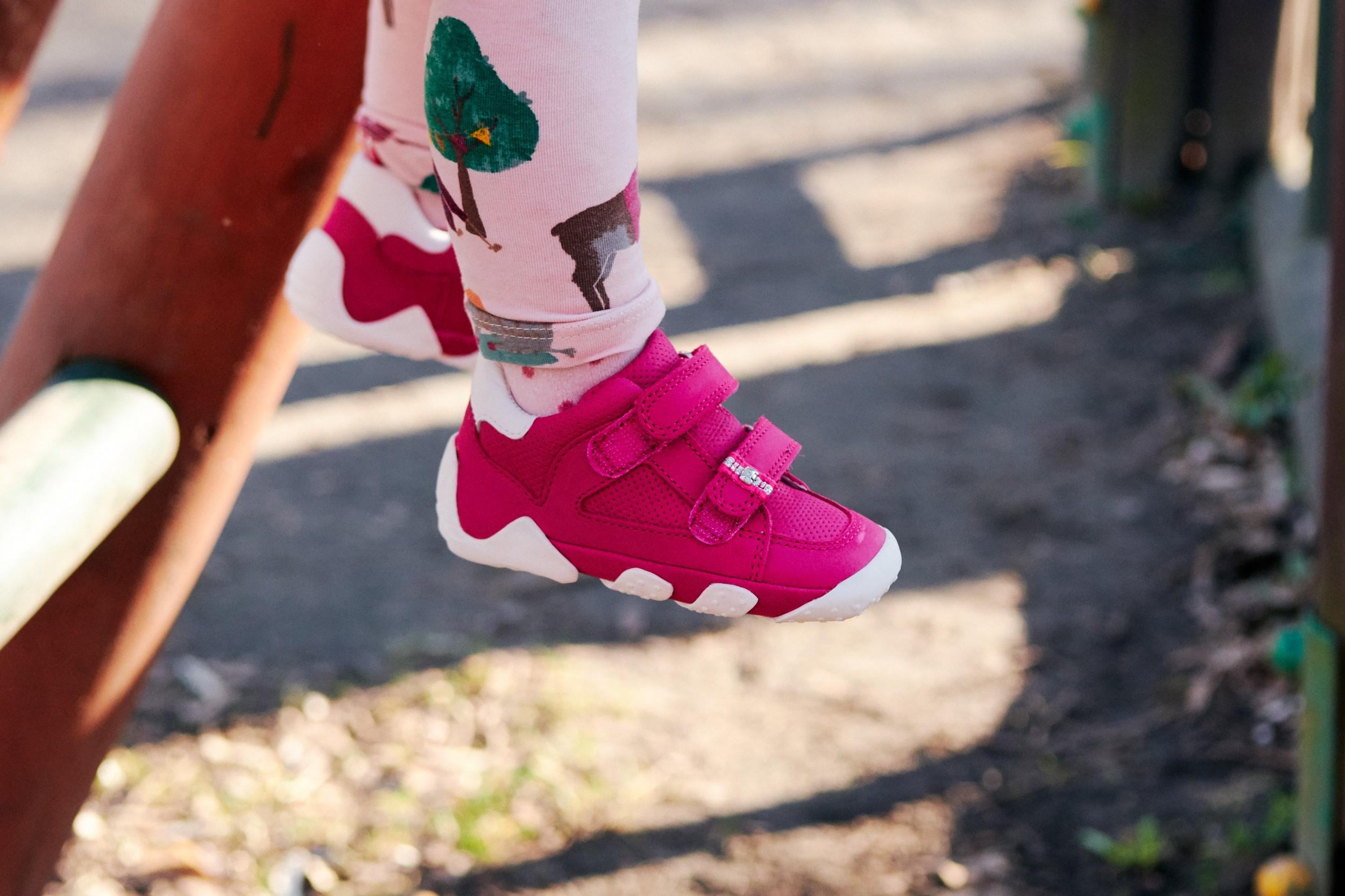 ile większe powinny być sandały dla dziecka